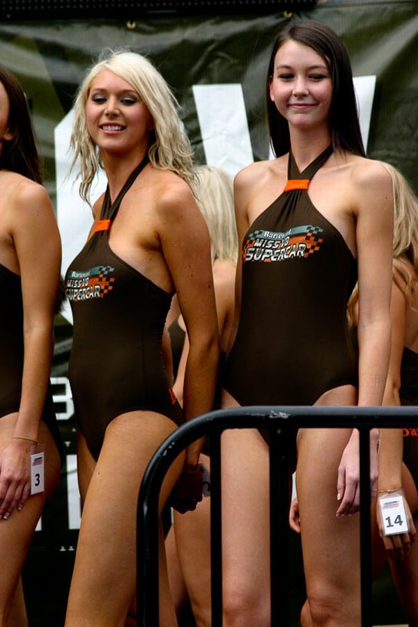 Gorgeous chicks at the 2010 Indy 500 - 41