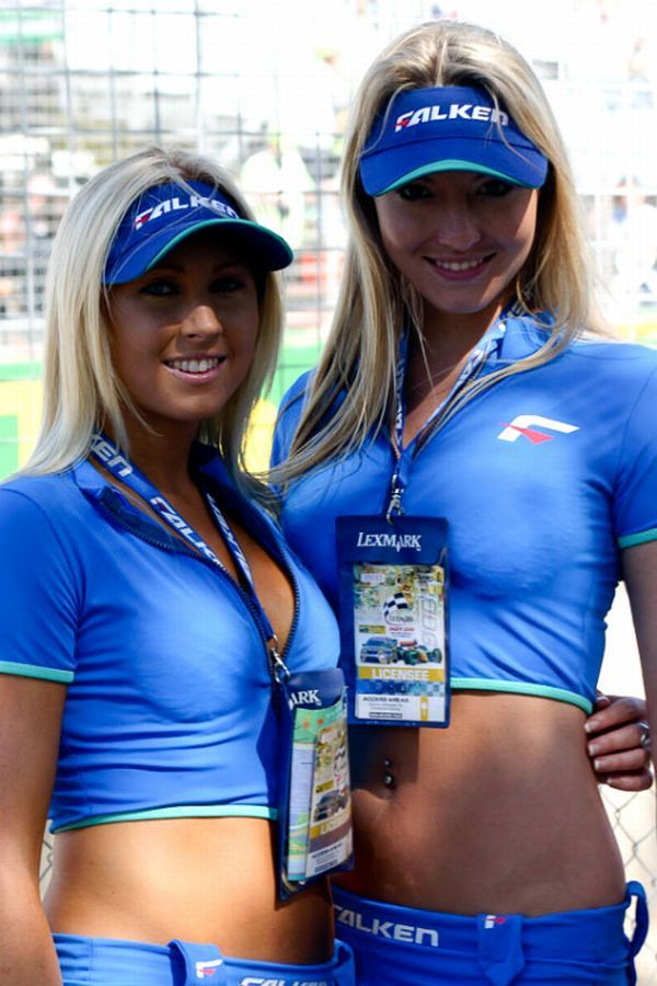 Gorgeous chicks at the 2010 Indy 500 - 48