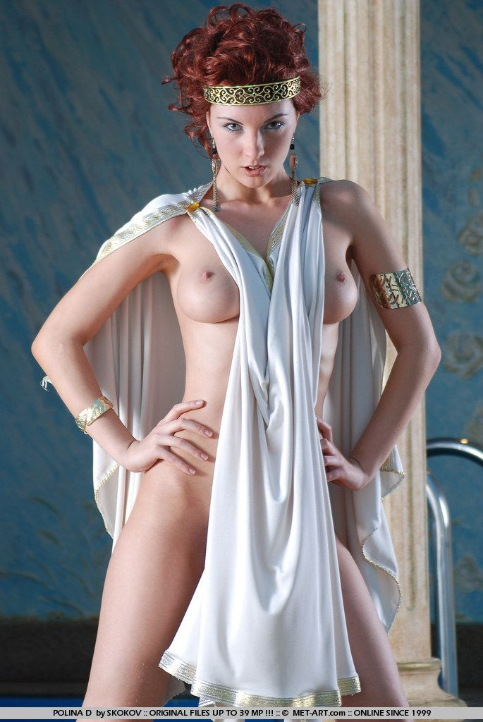 Polina looks great in the role of the Greek goddess - 09
