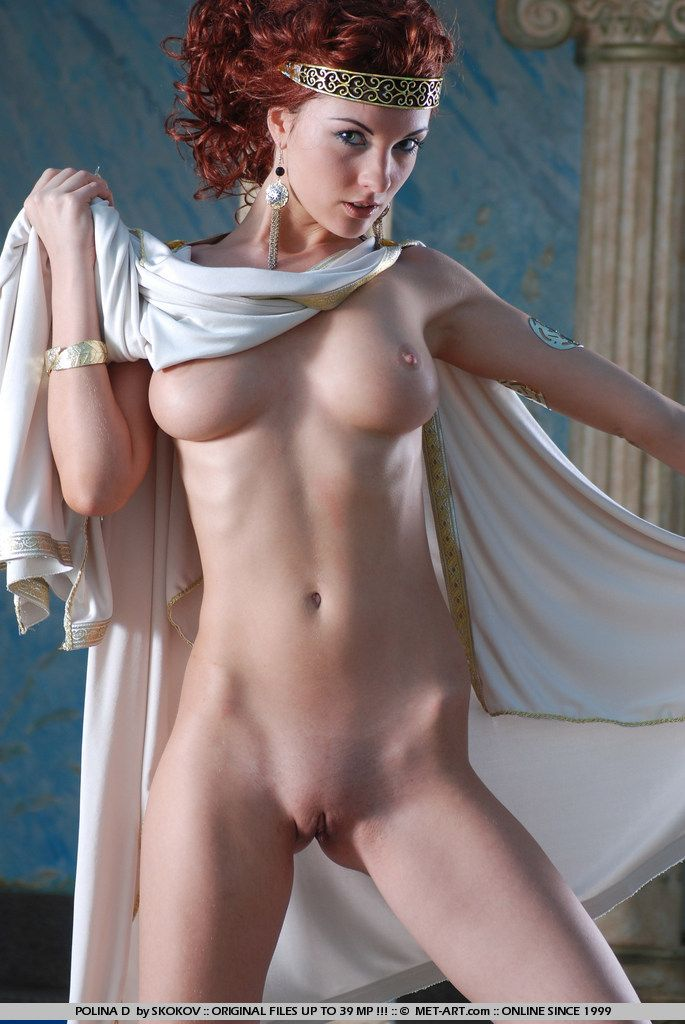 Polina looks great in the role of the Greek goddess - 10