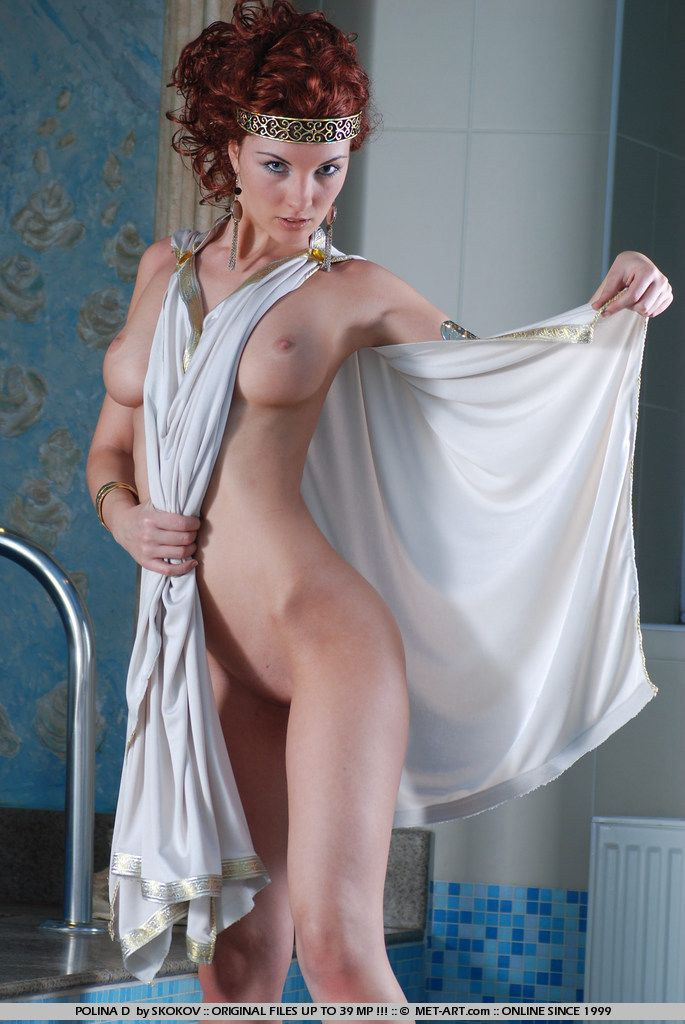 Polina looks great in the role of the Greek goddess - 12