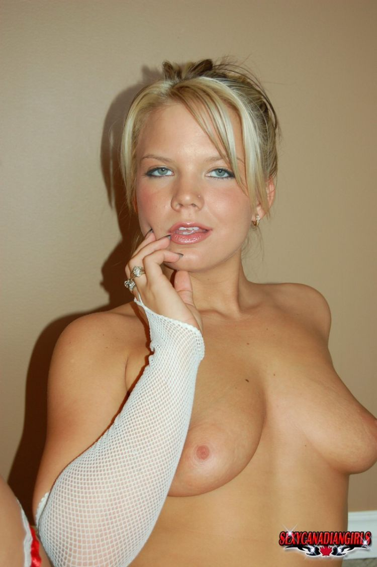 Playful blonde Ashleigh - 09