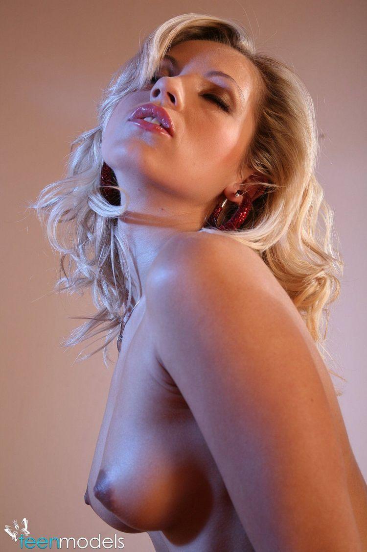 Daily erotic picdump - 136