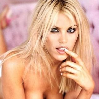 "One of the most attractive ""Baywatchers"" - Gena Lee Nolin"