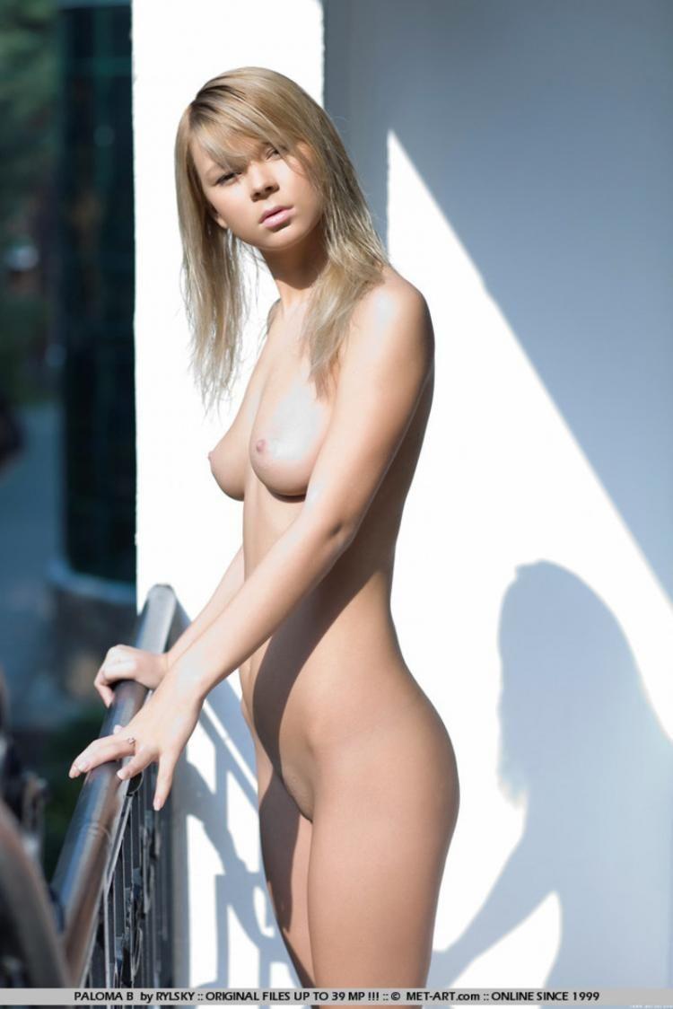 Sensual blonde Paloma - 07
