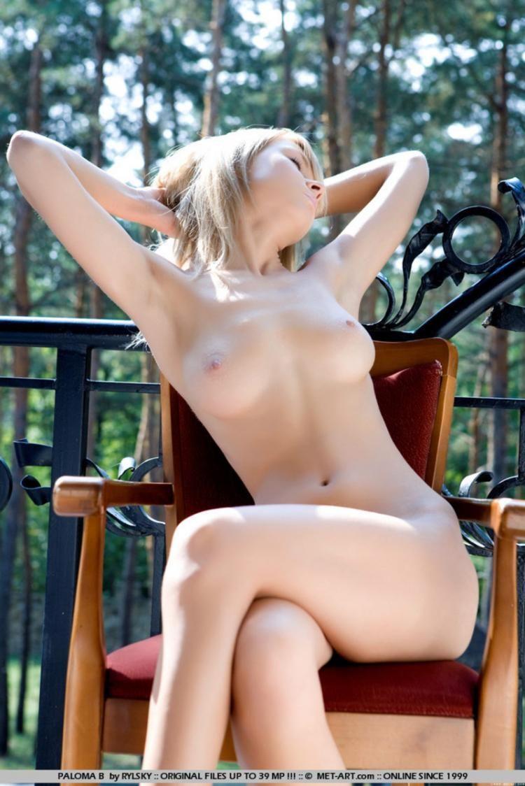 Sensual blonde Paloma - 11