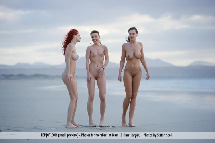 Three temptresses on the beach - 01