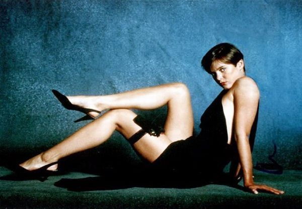 The sexiest James Bond girls - 01