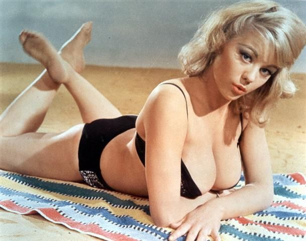 The sexiest James Bond girls - 14