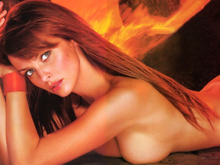 The sexiest James Bond girls - 17