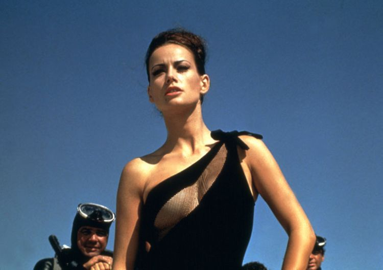 The sexiest James Bond girls - 21