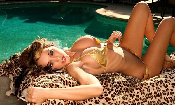 Glamorous model Ashley Estrada - 01