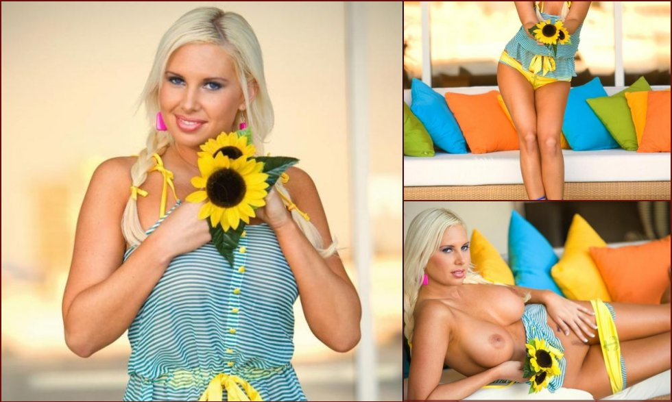 A flower lover, Amy Varela - 15