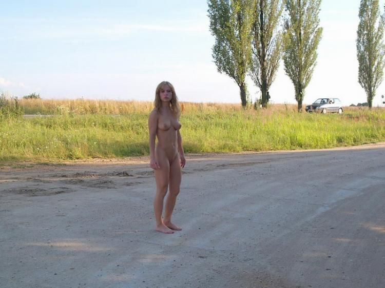 Walking naked in the fresh air - 15