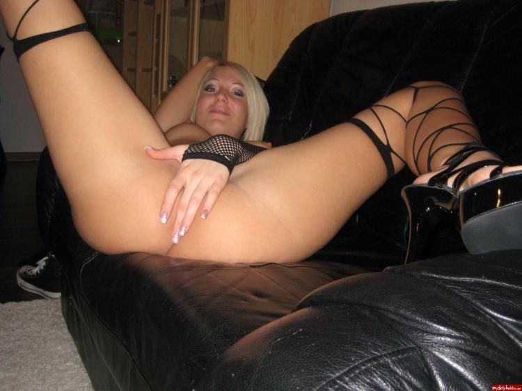 Home photos of a leggy blonde - 06