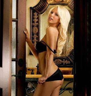 Glamorous blonde Amanda Parker