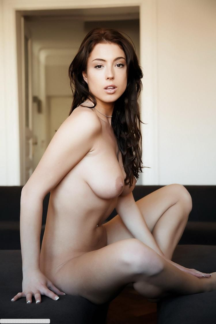 Brunette of incredible beauty - 14
