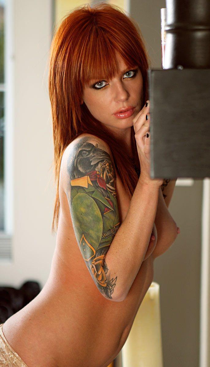 Elegant muchacha with tattoos - 34