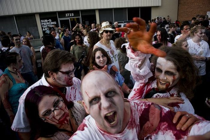 Zombies invasion in Sacramento - 00