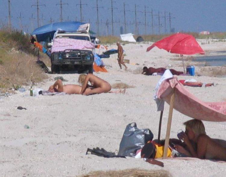 Naughty couple on the beach - 03