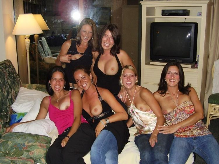 Girls showing their tities - 23