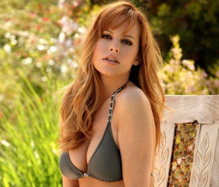 Pretty redhead Carmen Kees - 00