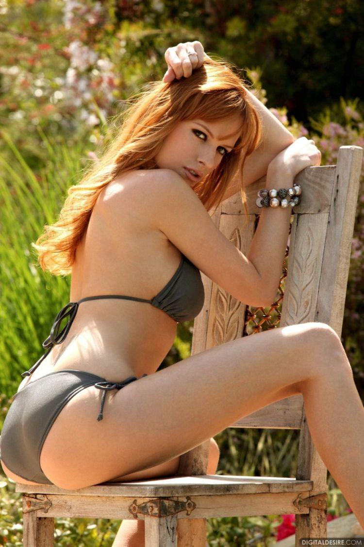 Pretty redhead Carmen Kees - 02