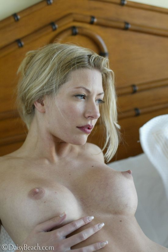 Laurie, a beauty with sharp nipples - 11