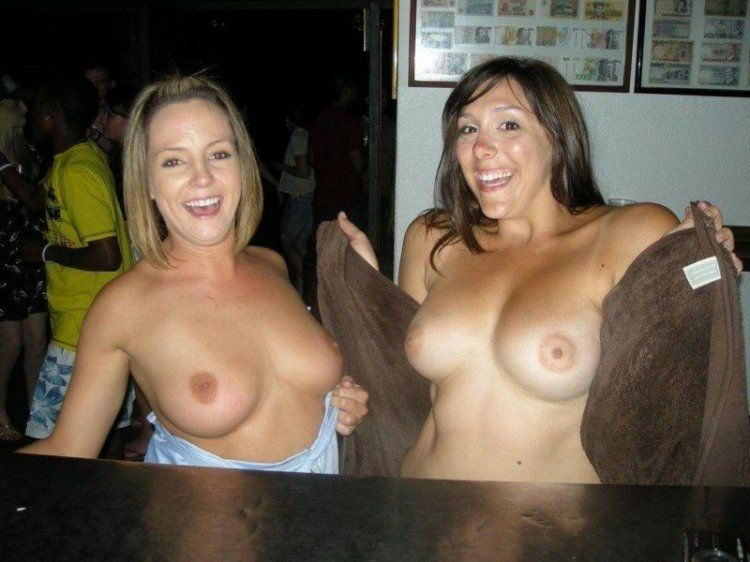 Girls show their tits - 32