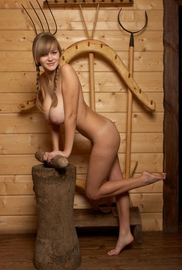 Russian beauty shows her natural forms - 05