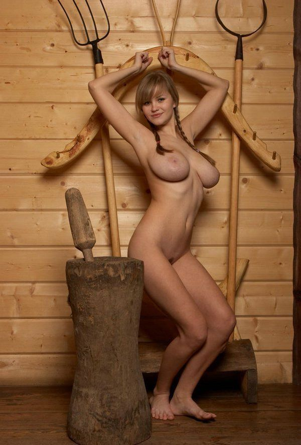 Russian beauty shows her natural forms - 06