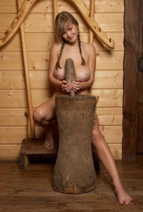 Russian beauty shows her natural forms - 07