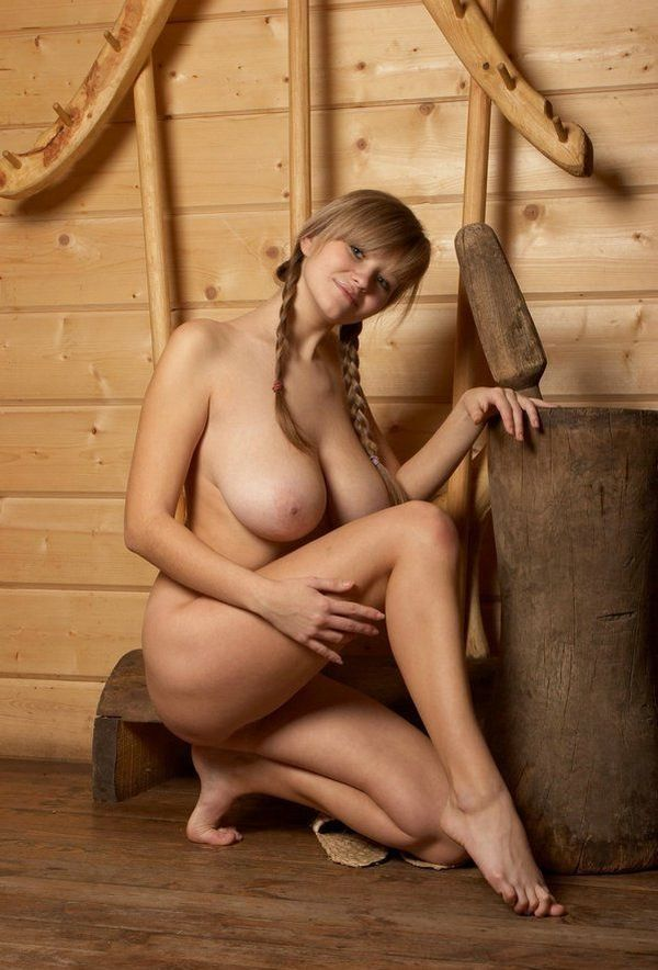 Russian beauty shows her natural forms - 10