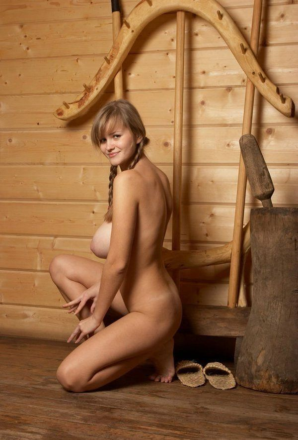 Russian beauty shows her natural forms - 11