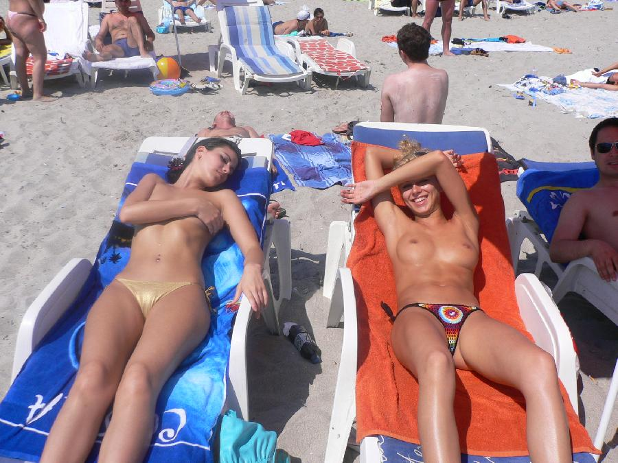 Blond chick on holiday - 12