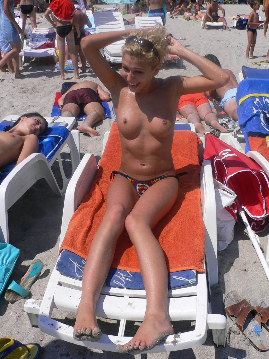 Blond chick on holiday - 22