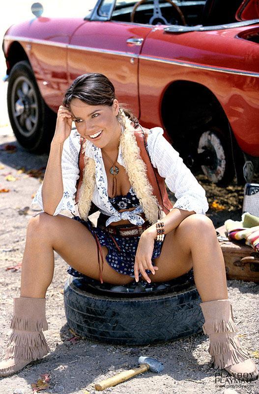 Pretty model Cara Zavaleta - 5