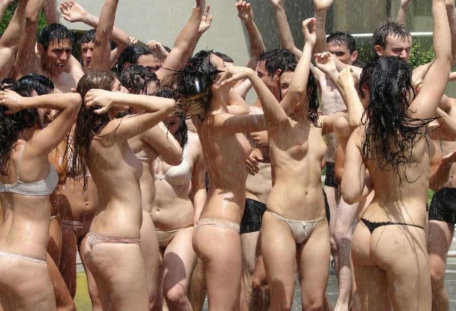 Crazy students and their college initiations - 1