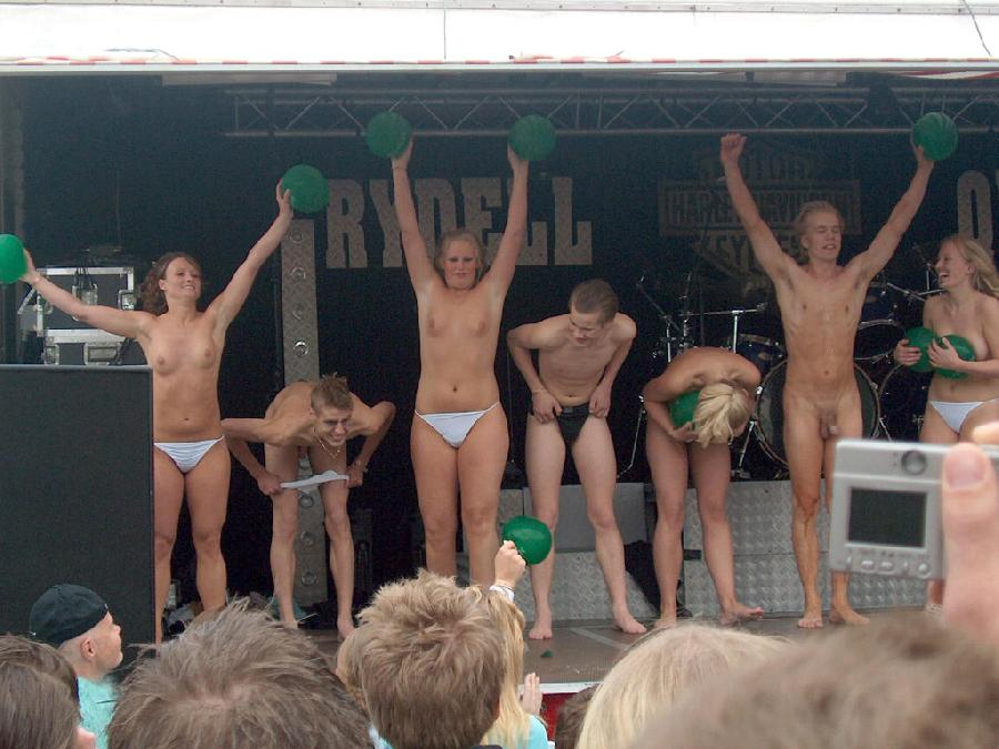 Crazy students and their college initiations - 6