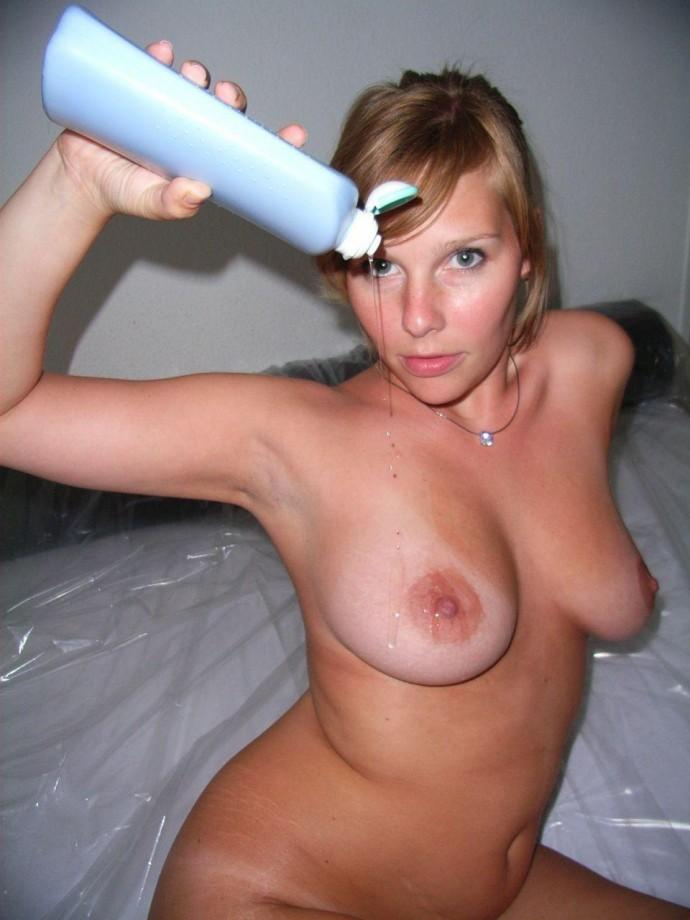 Hot amateur girl playing with oil and dildo - 13