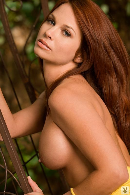 Pretty redhead with blue eyes - 4