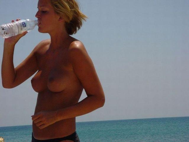 Beach topless - 21