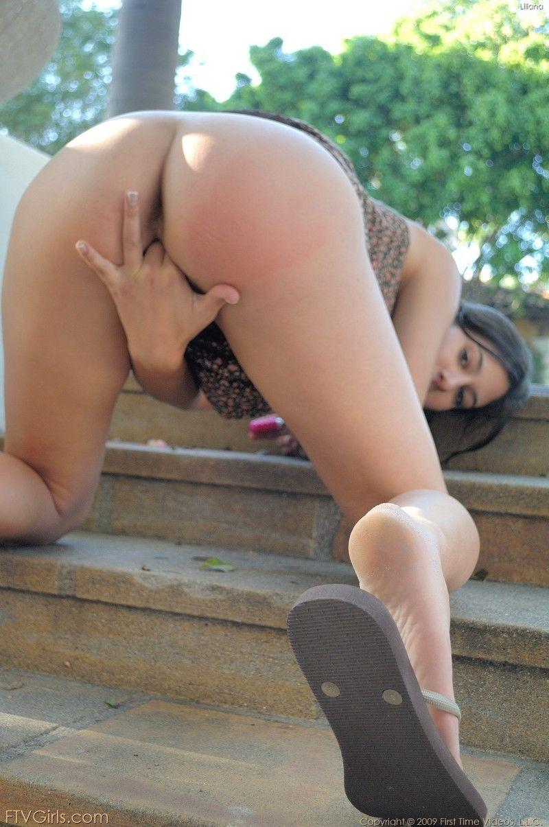 Sexy girl nuked in public - 3