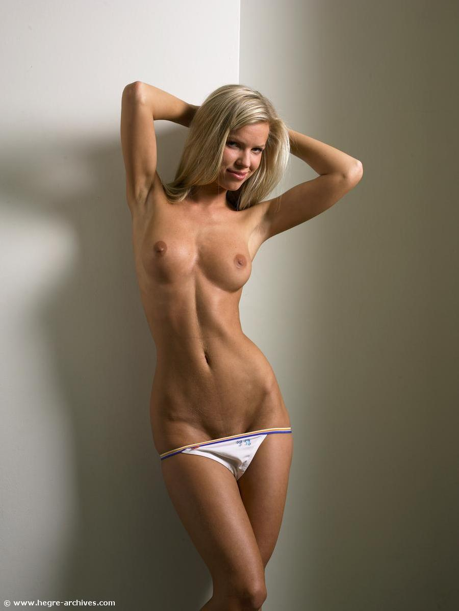 Teen blonde with marvelous body - 8
