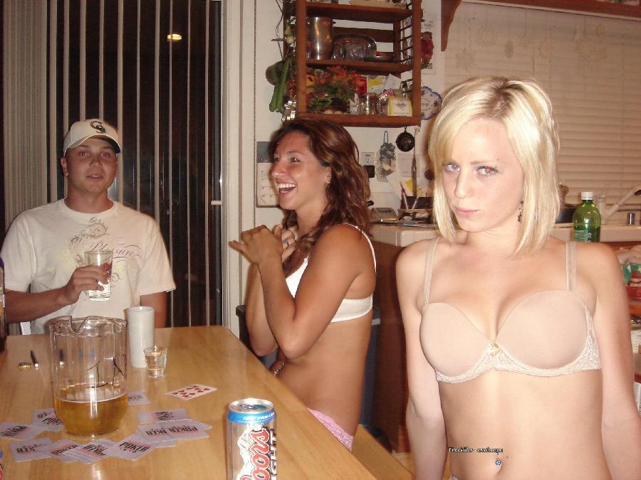Amateurs girls playing strip poker - 37