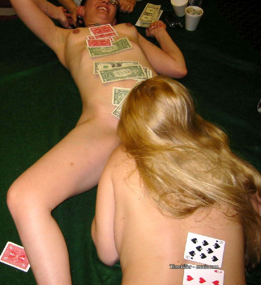 Amateurs girls playing strip poker - 5