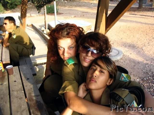 Beautiful female soldiers from Israel - 10
