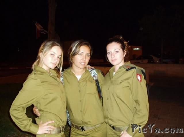 Beautiful female soldiers from Israel - 12