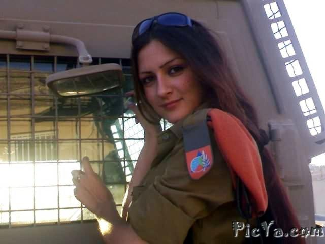 Beautiful female soldiers from Israel - 16