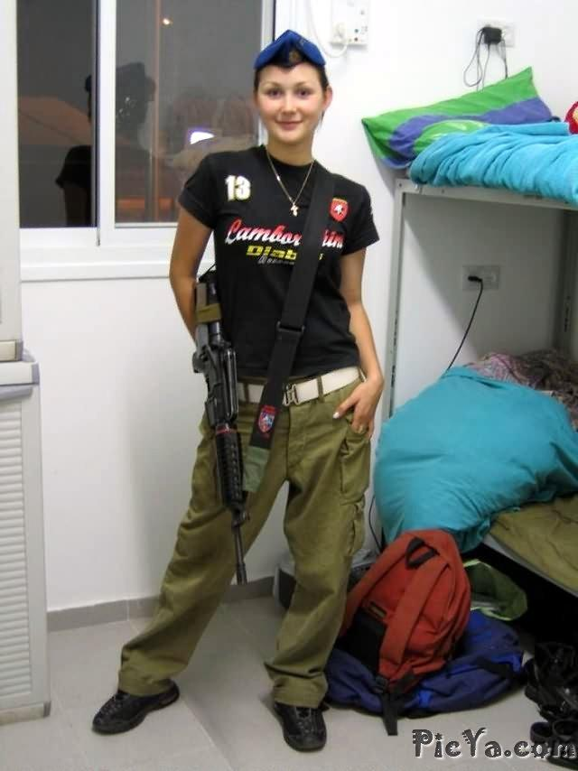 Beautiful female soldiers from Israel - 30